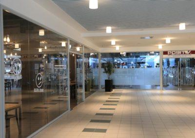 Glaswände Einkaufszentrum Kelheim